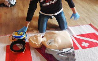 corsi di formazione sanitaria e defibrillatori per scuole